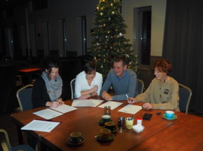 Voorgenomen besluit Samenlevingsschool/Kindcentrum Holwerd getekend.